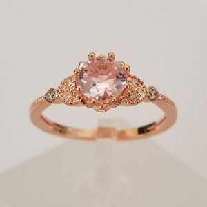 Jewelry - *only size 8!* Delicate Pink Rose Gold Solitaire